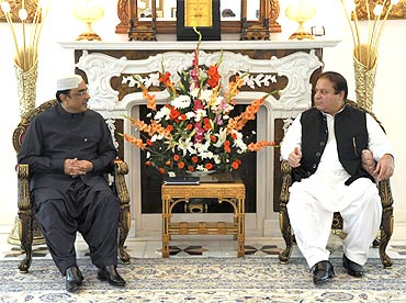 Pakistan President Asif Ali Zardari with PML-N chief Nawaz Sharif