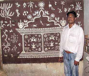 Madhukar Vadu with his painting
