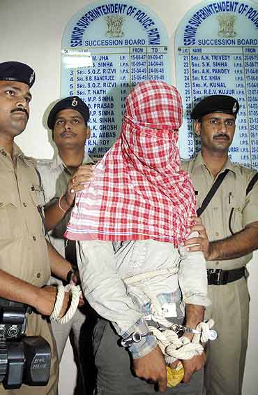 A suspected Lashkar-e-Tayiba operative who was arrested in Patna