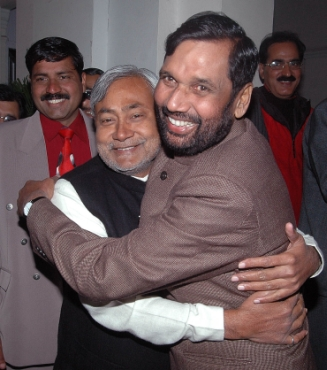 LJP chief Ram Vilas Paswan with Bihar CM Nitish Kumar in happier times