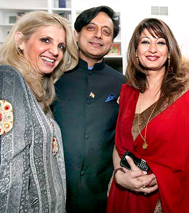 Shashi Tharoor with his wife Sunanda Pushkar (right) in New York