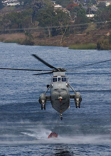 Why is Navy mum on use of junk US choppers?