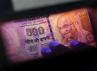 Fake money worth Rs 120,000,000,000,000 in India