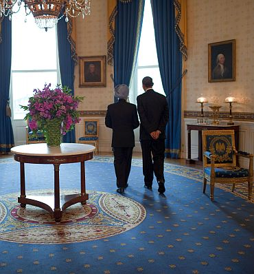 Prime Minister Manmohan Singh with US President Barack Obama in November 2009