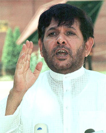 Janata Dal-United leader Sharad Yadav