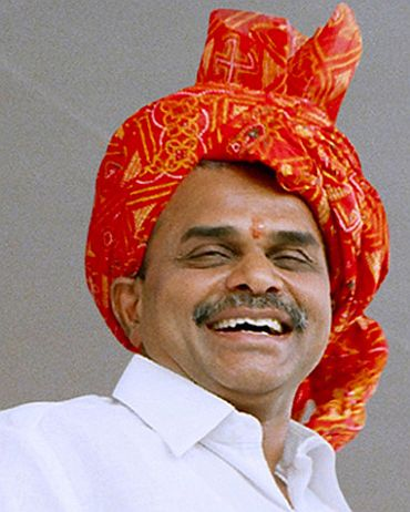 YS Rajashekar Reddy full counter to Chandrababu Naidu and TRS Leaders