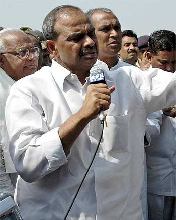 YSR interacts with farmers