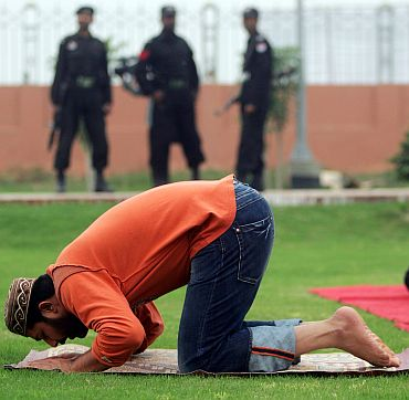 File photo of former Pakistan cricket captain Inzamam-ul-Haq offering prayers in Multan