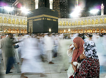 Millions gather at Mecca for Ramzan