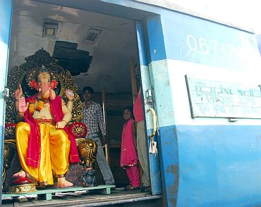 Lord Ganesha arrives at the Mumbai Central station