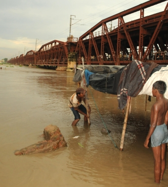 Yamuna level rises, areas in Delhi flooded