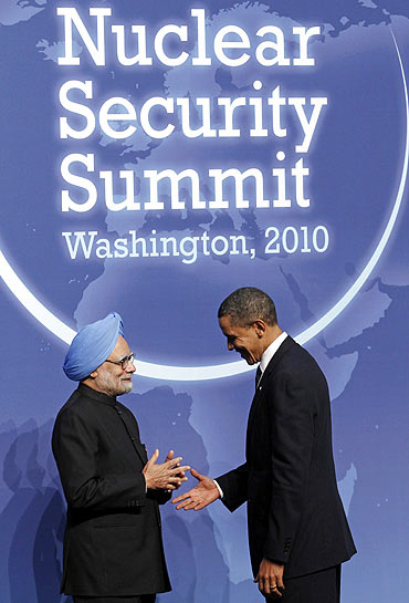 Dr Singh with US President Barack Obama at the Nuclear Security Summit in Washington, DC