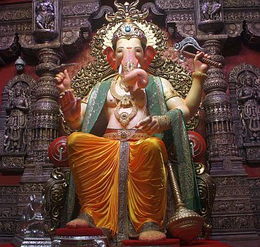 The Lalbaug cha Raja