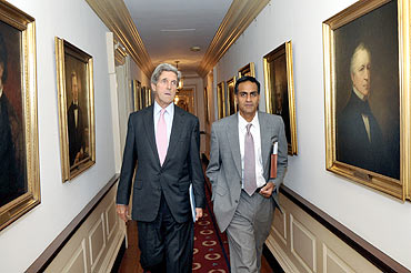 Richard Verma, right, with Senator John F Kerry, chairman, Senate Foreign Relations Committee