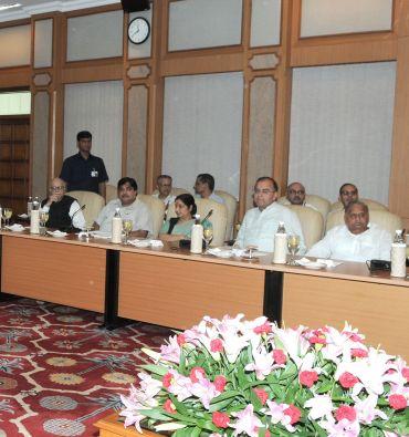 Samajwadi Party chief Mulayam Singh Yadav with BJP leaders Arun Jaitley, Sushma Swaraj, Nitin Gadkari and Advani, at the meeting
