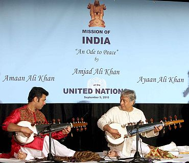 The sarod maestro cast a spell with his sons Amaan and Ayaan (not in picture)