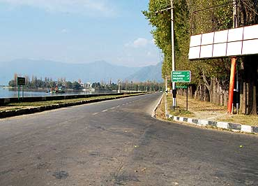 A empty boulevard along Srinagar's famous Dal Lake