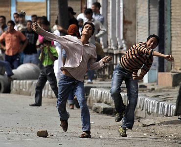 An anti-government  protest in Srinagar turns violent