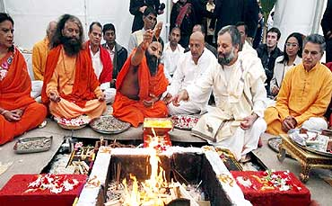 Baba Ramdev performs a hawan on Little Cumbrae island