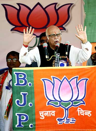 BJP leader LK Advani speaks during a rally