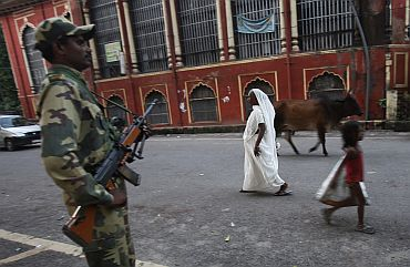 A paramilitary trooper at the Lucknow bench of the Allahabad high court, September 29