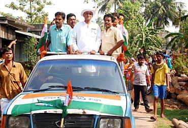 'Amit Mitra zindabad, Trinamool Congress zindabad'