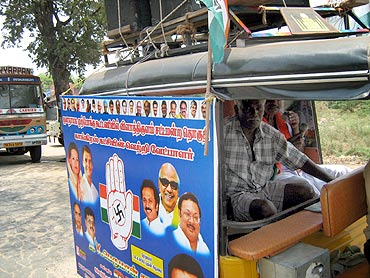A autorickshaw campaigns for Congress in Ettayapuram
