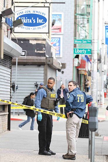 FBI shuts 3 Indian jewellery stores