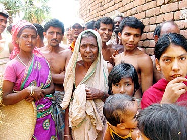 The villagers in Pakha