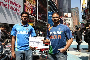 Rhishikesh Sansalkar and Dixit Patel participated in the rally wearing Team India jerseys