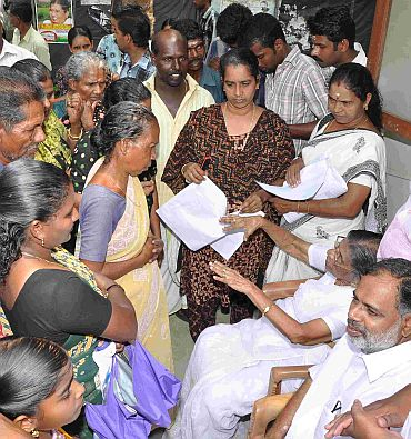 Gowri Amma listening to women in Cherthala