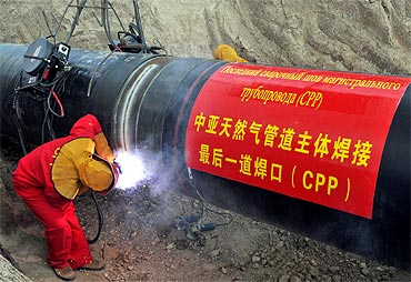 China leaves its imprint on the 1,833 km Central Asian pipeline