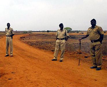 Heavy police deployment at Jaitapur
