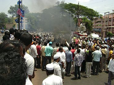 Anti-nuclear plant protests turn violent in Ratnagiri