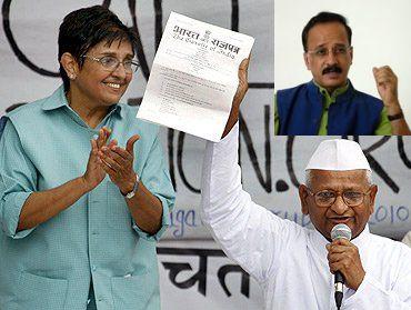 Kiran Bedi with Anna Hazare. (Inset) Devinder Sharma