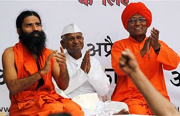 Baba Ramdev and Swami Agnivesh with anti-corruption crusader Anna Hazare