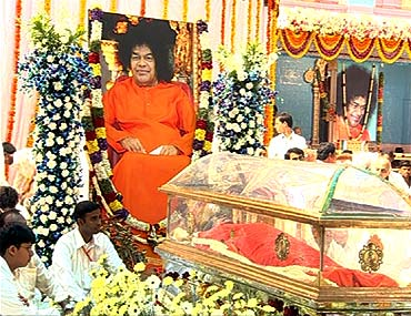Sathya Sai Baba's body lies in state