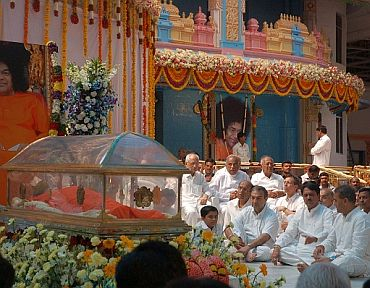 Sathya Sai Baba's funeral to be private affair