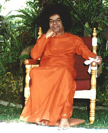 Who says Sathya Sai Baba's prophecy was wrong?
