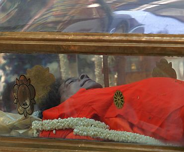 The body of Sathya Sai Baba lies in a glass sepulchre