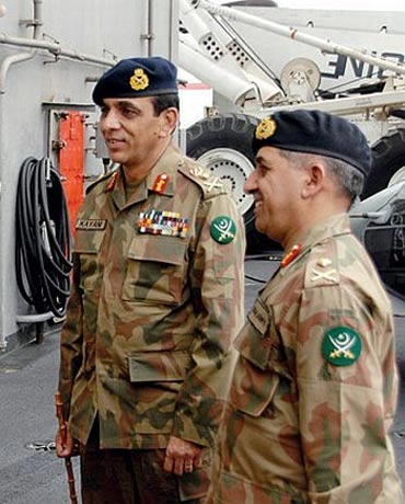 Pasha (right) with Pakistan Army chief Gen Kayani