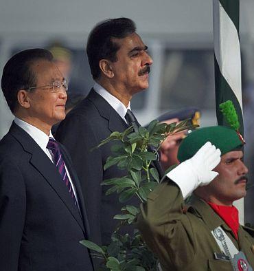 Pakistan's Prime Minister Yousuf Raza Gilani and Chinese Premier Wen Jiabao