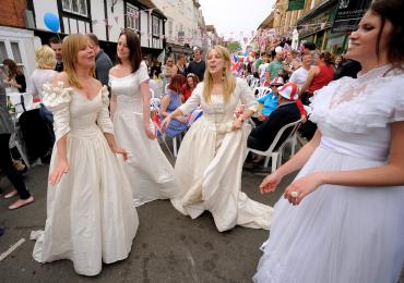 Treats and tiaras at Britain's royal street parties