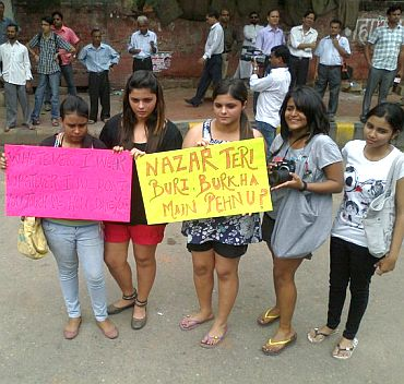 Besharmi morcha in New Delhi