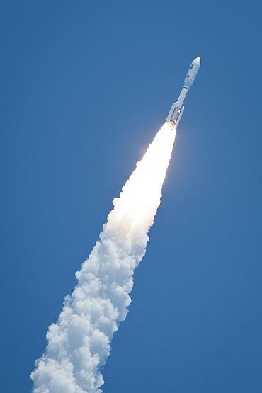 Juno takes off to Jupiter