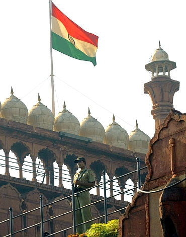 A policeman stands guard at Red Fort in New Delhi