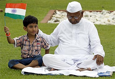 Anna Hazare at the Mahatma Gandhi memorial at Rajghat in New Delhi