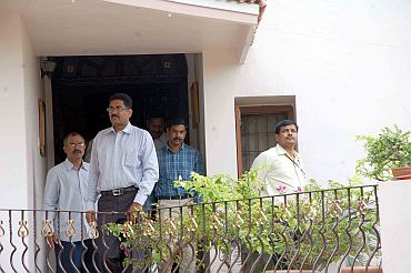 CBI investigators at Jagan's residence in Hyderabad