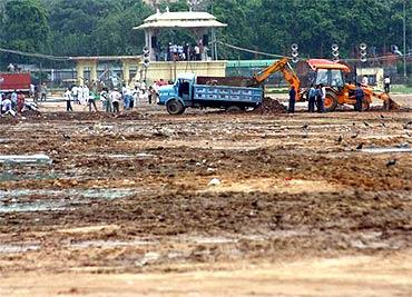 Ramlila Ground far from ready for Anna's fast on Thursday