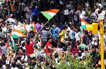 Supporters of Anna Hazare outside Tihar Jail